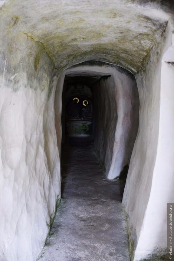 Ещё одна пещера.