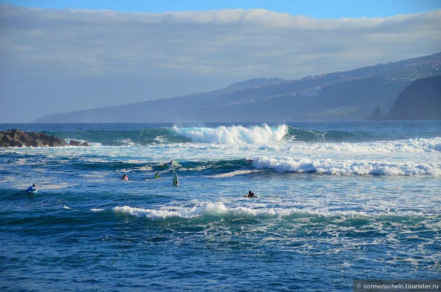 Playa Martianez для любителей серфинга – это просто рай и может посоперничать с Эль-Медано – маленьким курортом юга Тенерифе, Меккой виндсерферов и кайтсерферов.