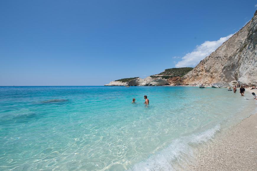 Обожать Грецию  можно  только  лишь  за  то, что там  такая  чистя  вода )