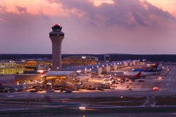 Два самолета столкнулись в аэропорту Детройта