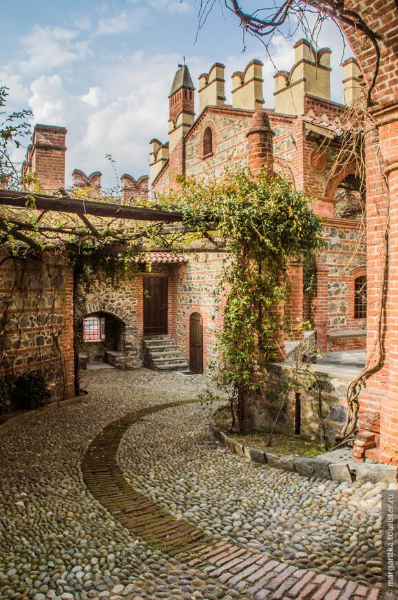 дороги в замке вымощены брусчаткой