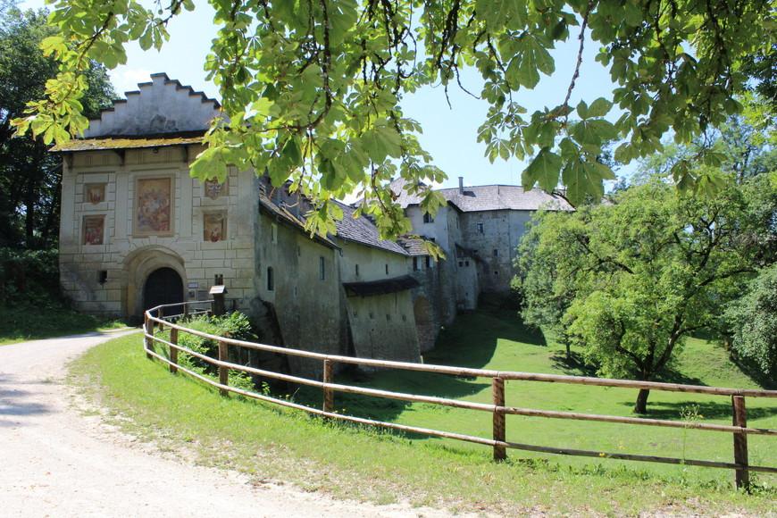 Замок Холленбург,внутрь так и не удалось попасть