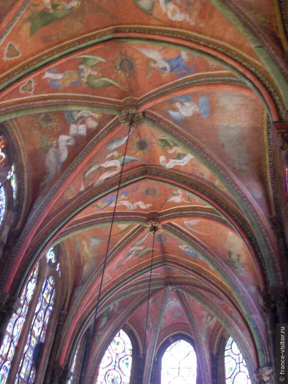 Такими когда-то были все потолки готических соборов и церквей