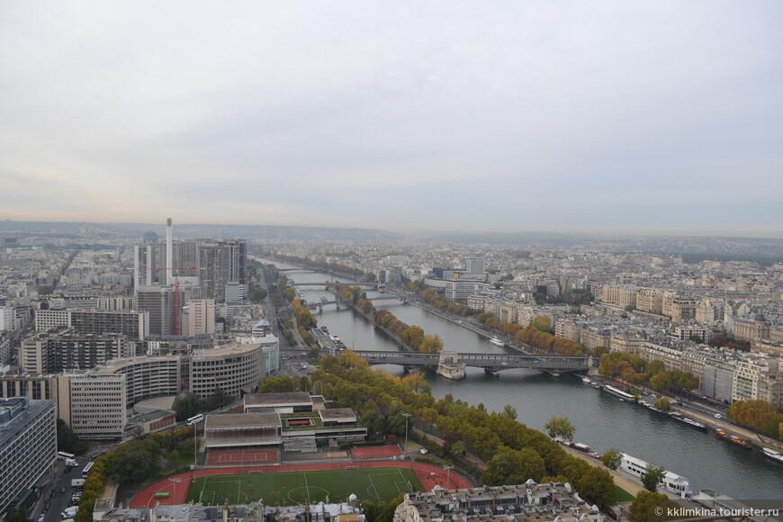 Эйфелева башня: самая высокая точка города.