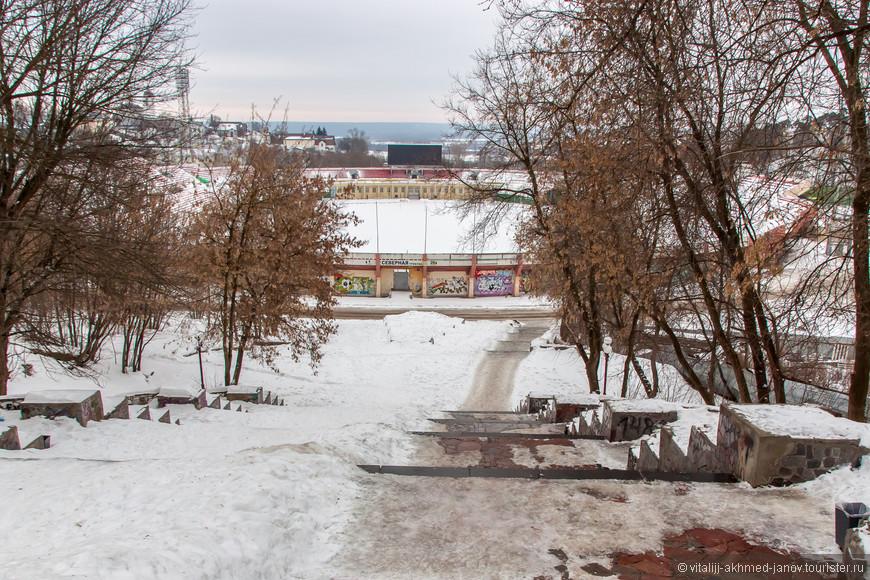 Основная чаша в зимнее время не задействована. Но ледующий матч: Товарищеский матч 26 февраля 2016  ТОРПЕДО Владимир  МУРОМ Муром Вот только где играть будут?