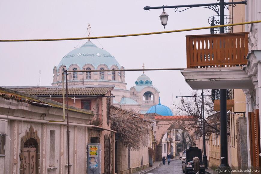 Вид на Свято-Николаевский собор.