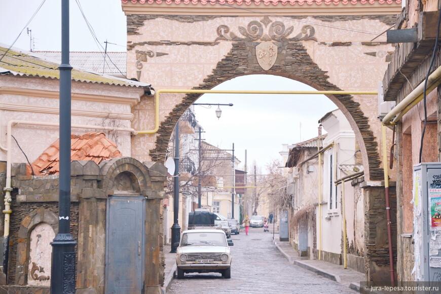 "Улицами ""Малого Иерусалима""."