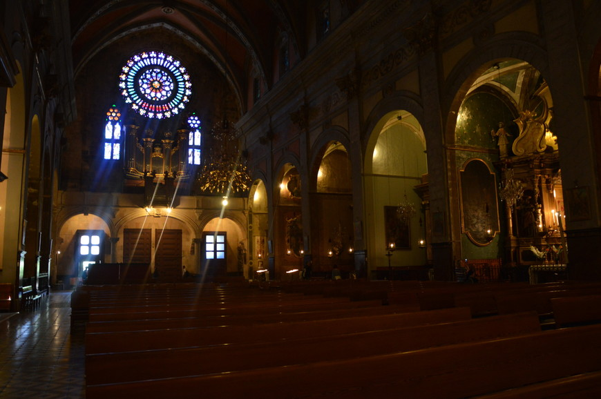 Внутри церкви Св.Варфоломея в Сольере.