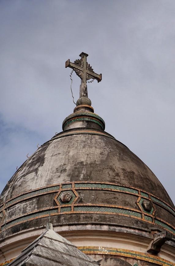 Один из куполов церкви.