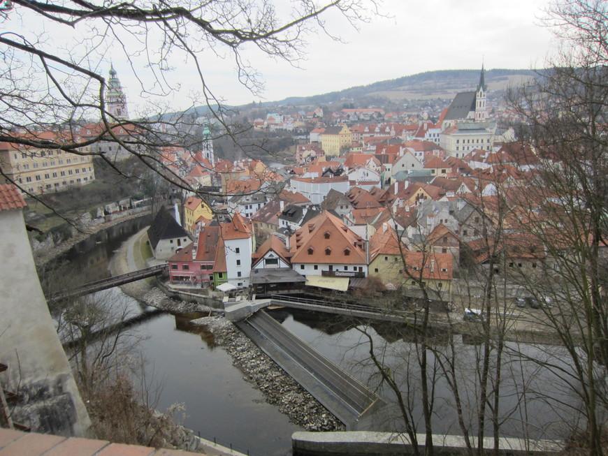 По дороге в  Чешский Крумлов экскурсовод много рассказывала о истории и современной жизни в Чехии.