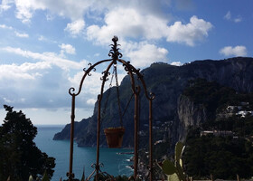 Trekking tour of Capri