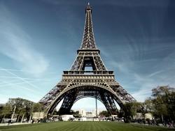 Париж посетили почти 200 тысяч россиян