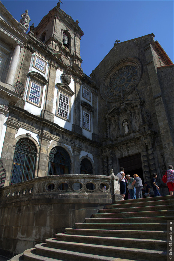 Главная жемчужина Порту-  церковь Святого Франсиска ( Igreja da Sao Fransisco)- Самая знаменитая и самая роскошная церковь города.