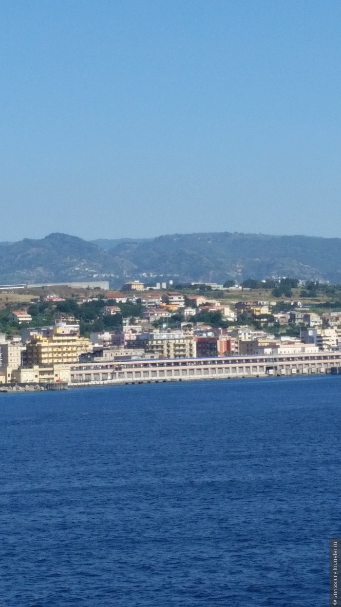 Аэропорты Сицилии: http://www.tourister.ru/world/europe/italy/region/sicily/tips/3589