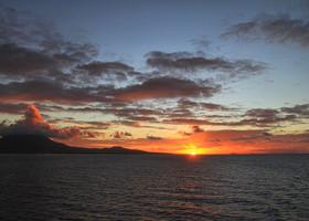 Солнце вставало со стороны Невиса, который так и остался для меня неизведанной землей...