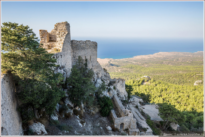 Наиболее сохранившаяся часть средневековой крепости. Визитная карточка замка Кантара.