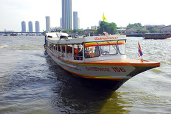 Взрыв  двигателя речного трамвая в Бангкоке: 58 пострадавших
