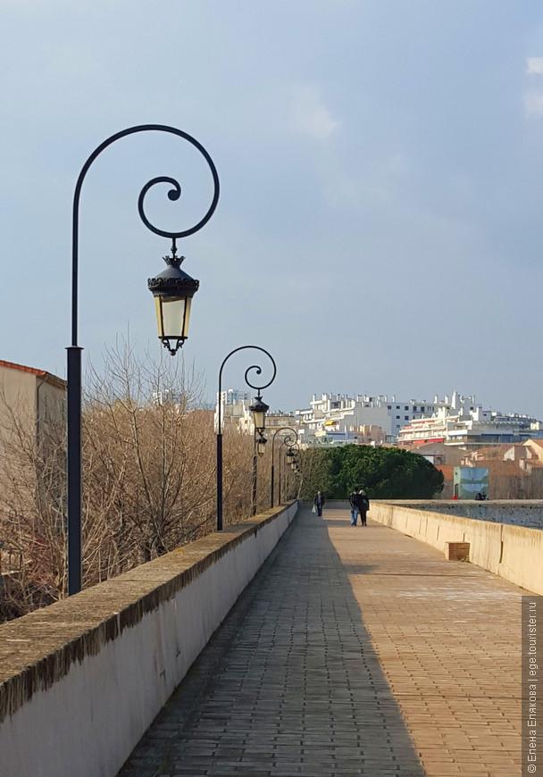 Стена вокруг Старого города и порта - остатки оборонительных сооружений