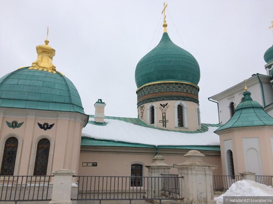 10. Подземная церковь Святых Константина и Елены