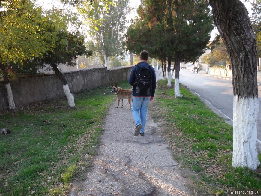 Сам Бахчисарай - небольшой и уютный город.