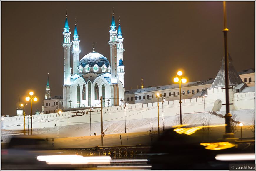 Мечеть Кул-Шариф вечером.