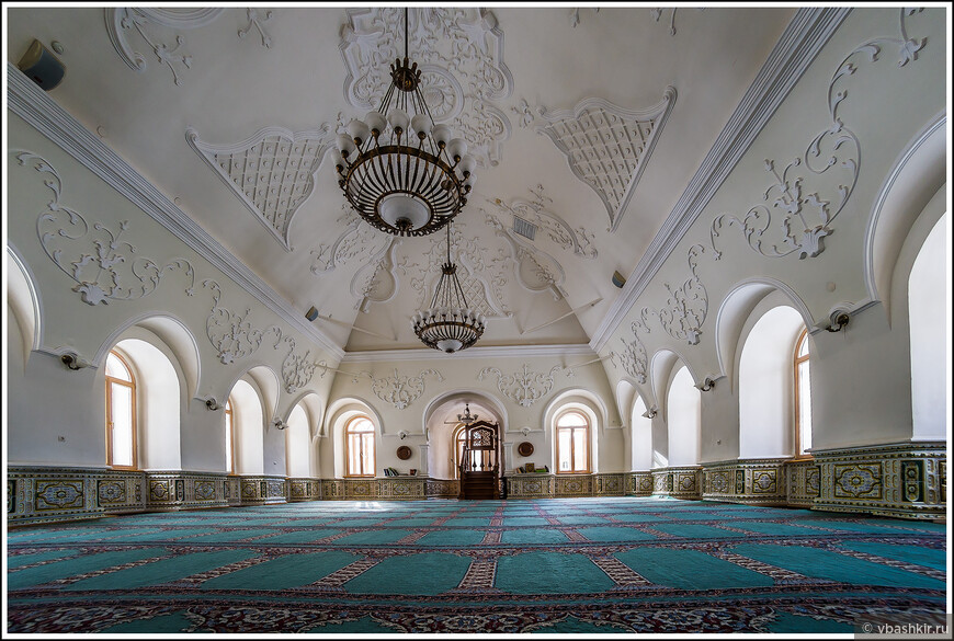 Мечеть аль-Марджани. Мужской зал.