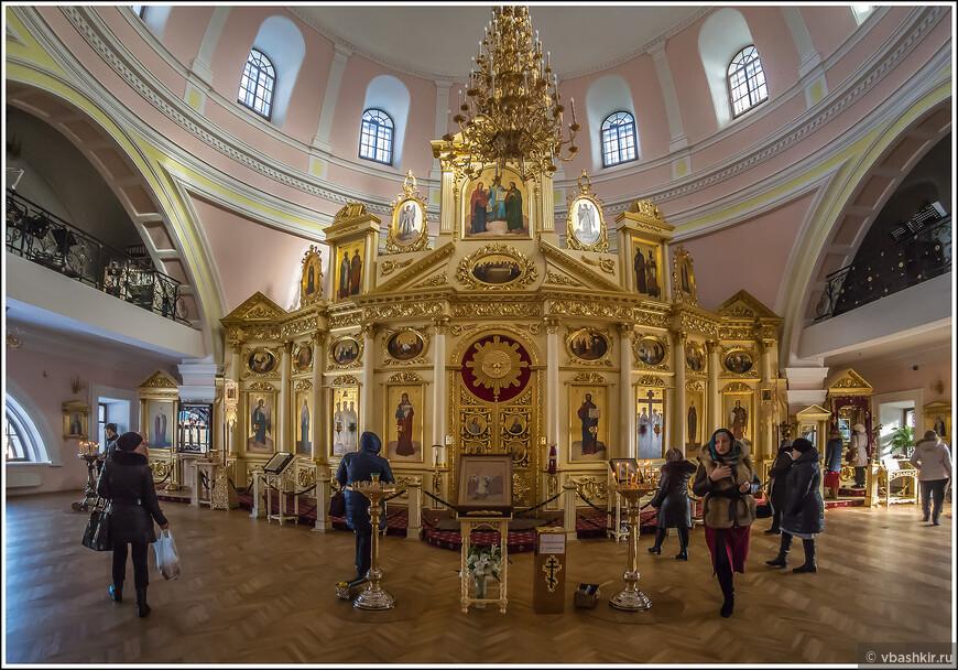 Богородицкий монастырь. Там вот справа та самая икона - Казанской Божией Матери.