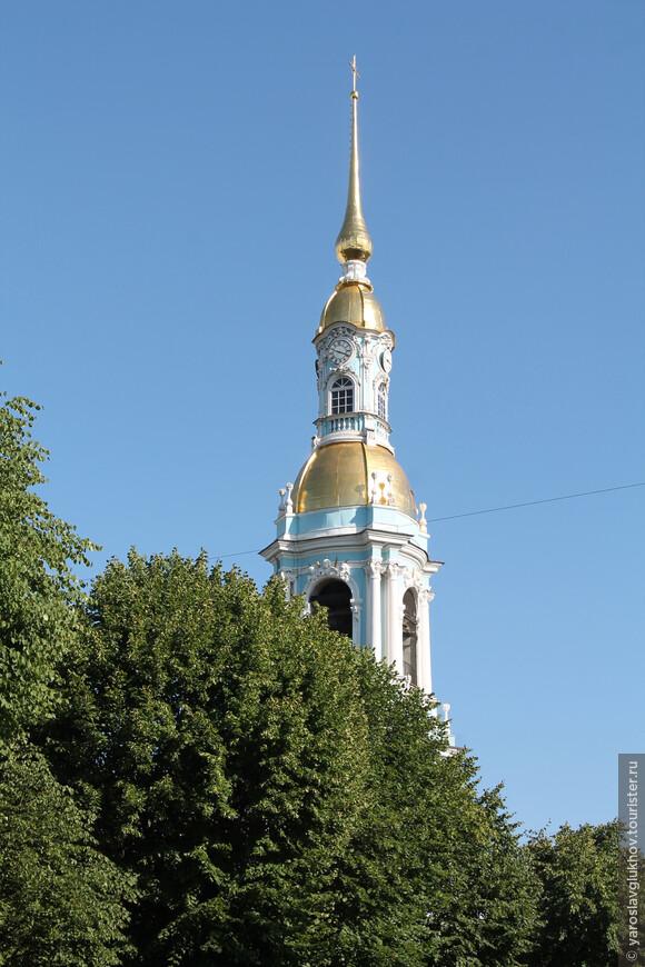 Данный собор называется Никольский морской, в то время как в Кронштадте — Морской Никольский собор.