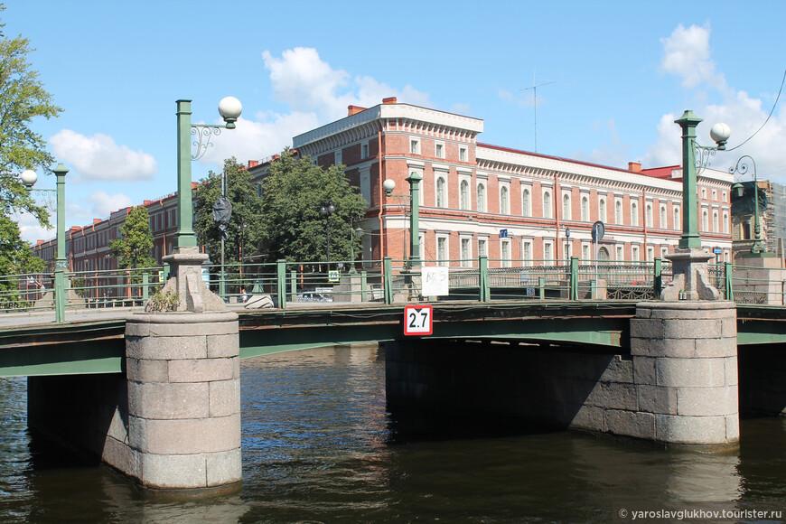 Матвеев мост через Крюков канал.
