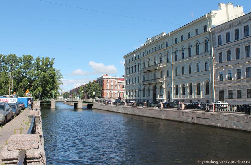 Крюков канал был прорыт в 1719—1720 гг.