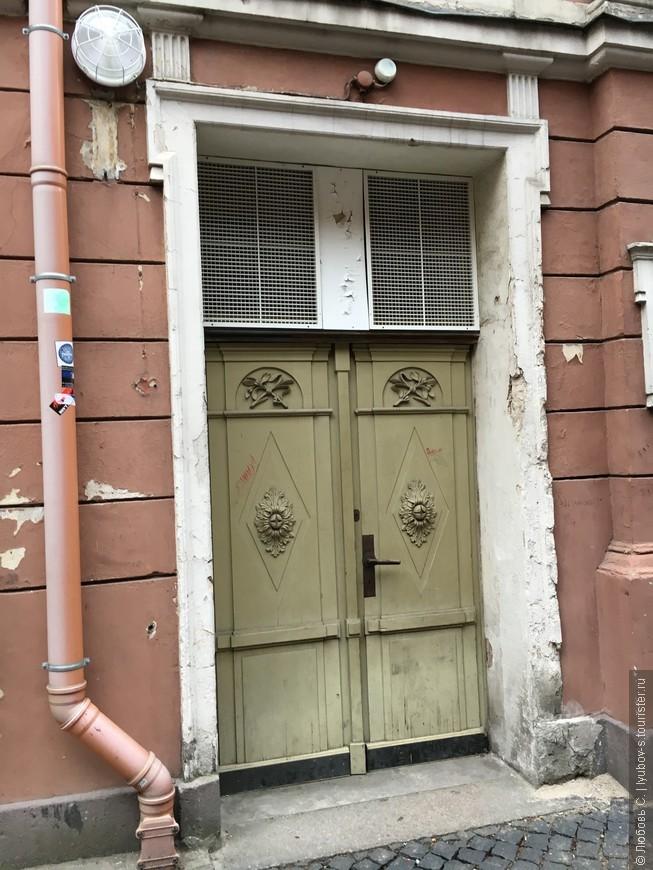 Дверь в Квартиру Шерлока Холмса