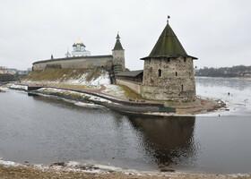 Прошло три дня - Кремль тот же, а где же лед?!?