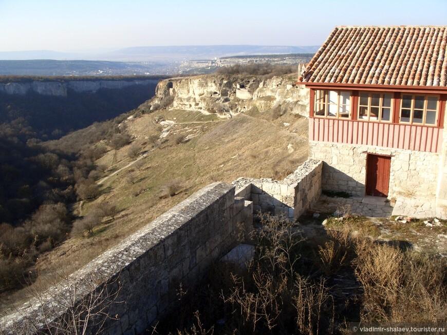 Вид от усадьбы Фирковича на Иосафатову долину.