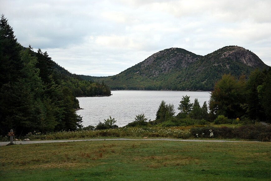 Acadia_national_park_jordan_pond.JPG