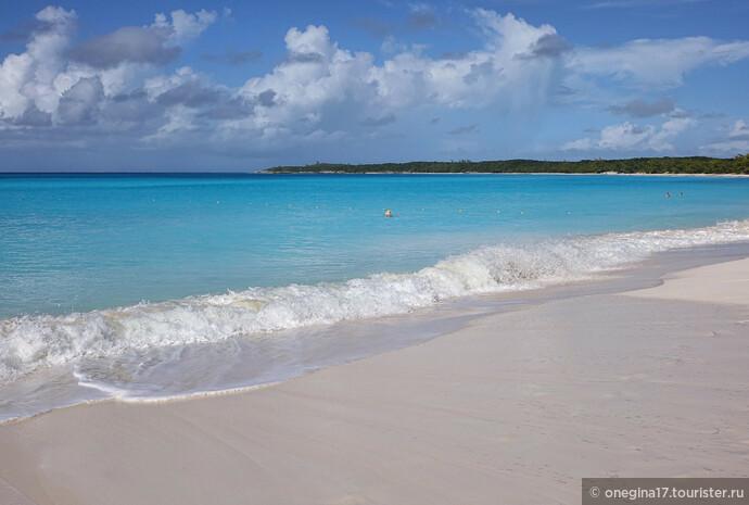 Влюбилась я в эти волны и в этот песочек...