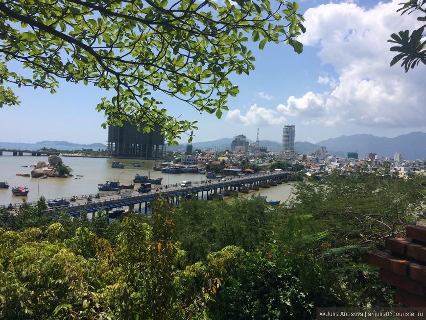 Вид на Ня чанг с башен По Нагар.