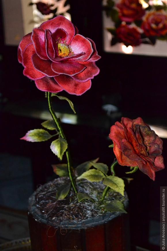 Роза из шелка.