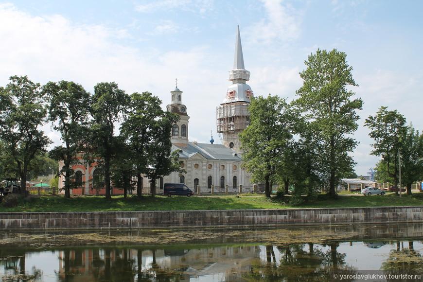 Благовещенский собор — главный храм Шлиссельбурга. Построен в 1763—1764 гг. в стиле барокко.