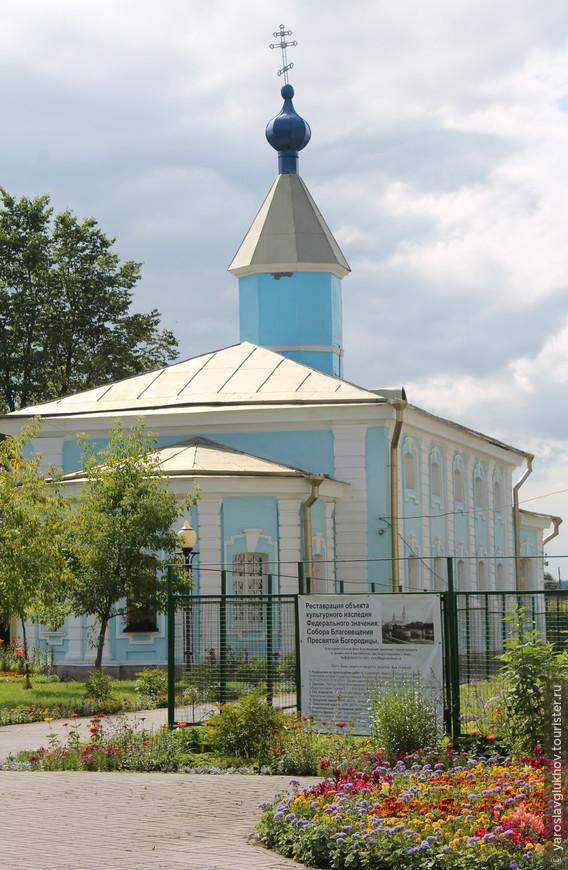 Никольская церковь Соборного комплекса на Красной площади Шлиссельбурга.
