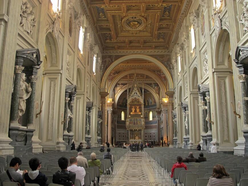 В базилике Сан Джованни ин Латерано