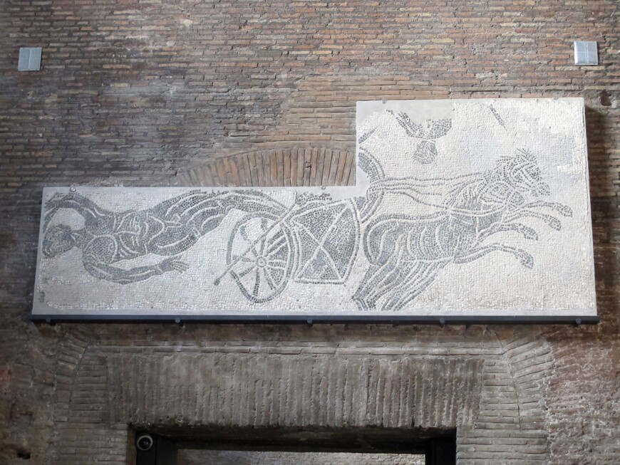 Сохранившийся фрагмент стены