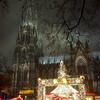 Кёльнский Собор, и площадь Ронкалли во время рождественского рынка