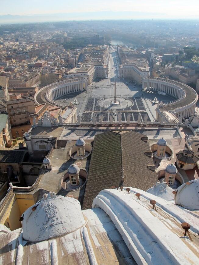 Вид на площадь с купола