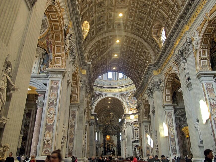 Центральный неф Собора Святого Петра