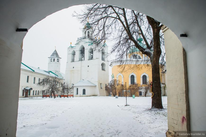 Немного классических зимних пейзажей, не требующих особых описаний.
