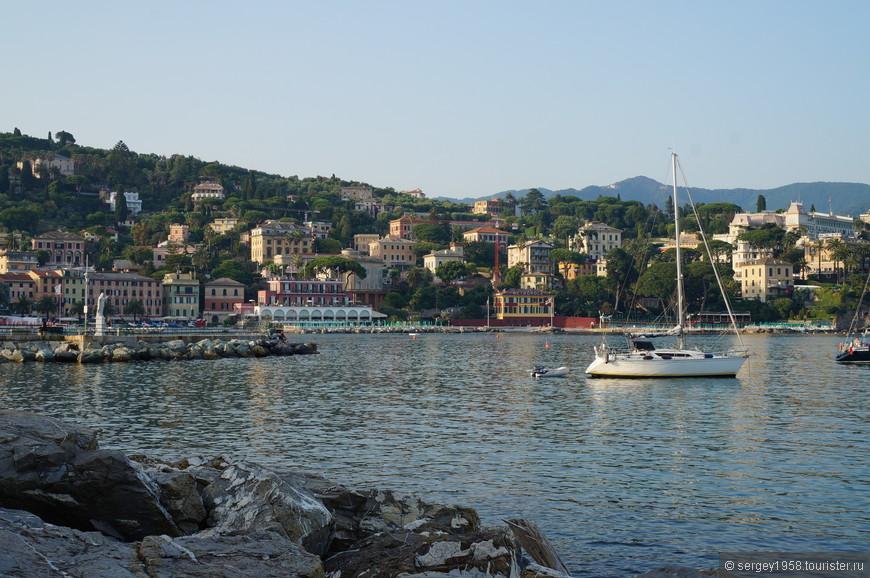 В заливе Тигуллио, между Рапалло и Портофино, располагается курорт и одновременно рыбацкий поселок Санта-Маргерита-Лигуре.