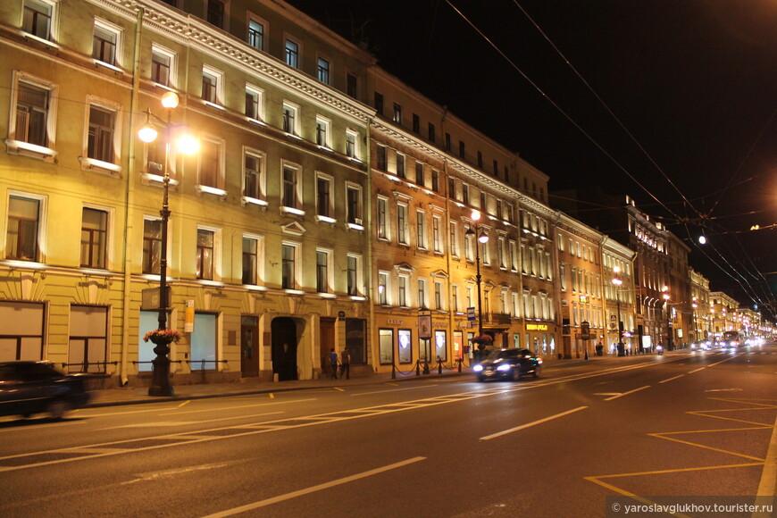Ночной Невский проспект.