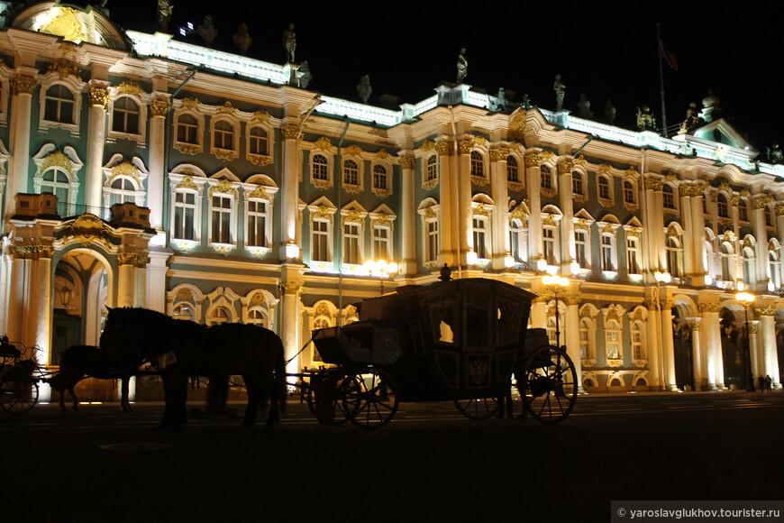 По ночному городу можно прокатиться на карете.