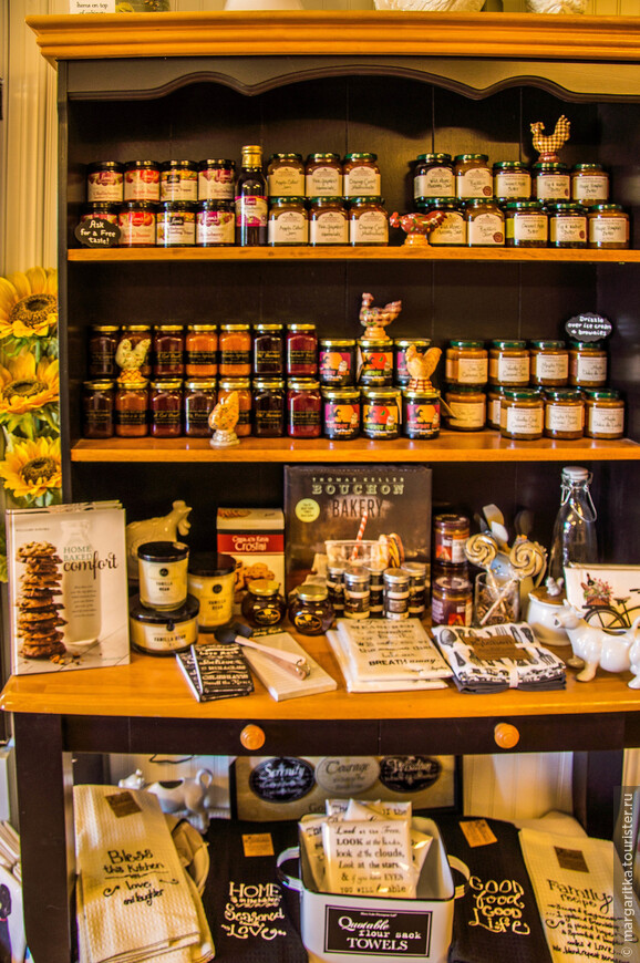 разной всячены и много продуктов пчеловодства