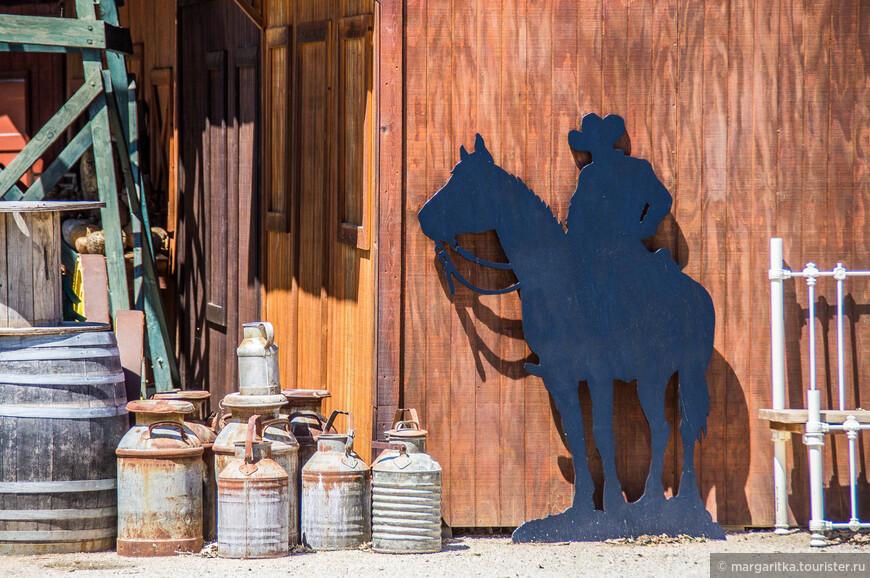 фигура ковбоя неприменный атрибут калифорнийских ферм